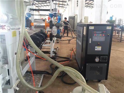 塑胶油温机